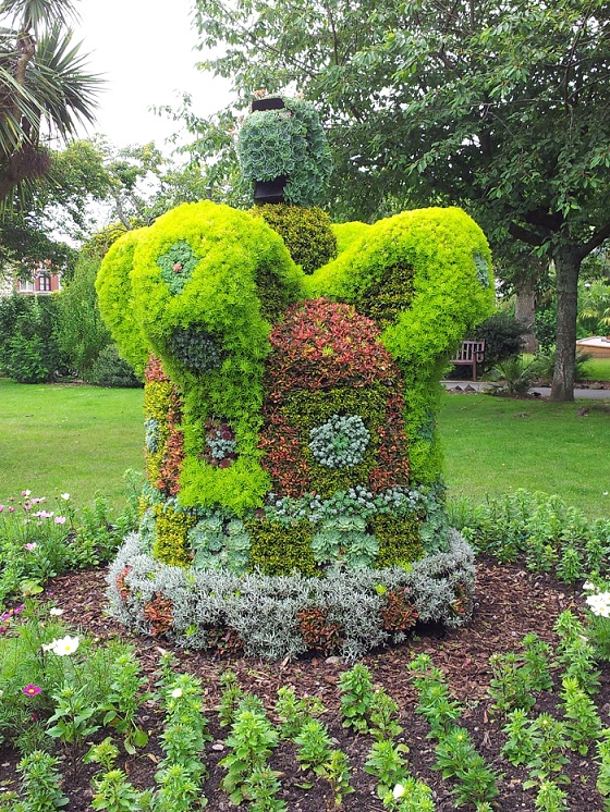 Royal Jubilee Topiary